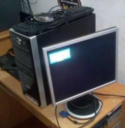 Computador com + de 100 jogos de Fliperama + 1 Manete Usb pra jogar.
