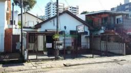 Casa 03 dormitórios no Bairro Nonoai