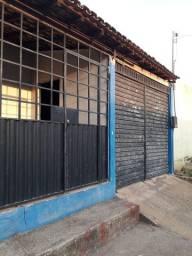Casa com ponto comercial  rua santo Antonio em frente ão colégio olga da Silva
