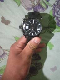 Vendo relógio da Oakley novo usado só uma vez