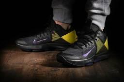 Tênis Nike LeBron Witness IV Unissex