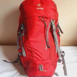 Mochila Deuter Futura 32 litros vermelha mochilão camping tracking