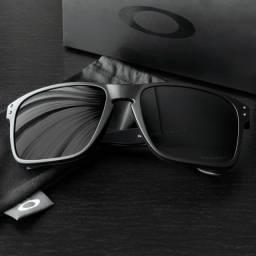 Óculos de Sol Polarizado Holbrook Preto R$99,90