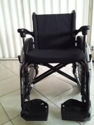 Cadeira de rodas usada por 15 apenas
