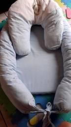 Ninho e almofada de amamentação
