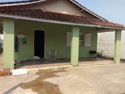 Aluguel de casa c/ piscina em Cananéia-SP