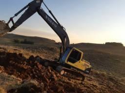 Escavadeira Volvo 210