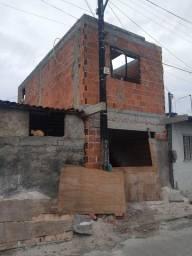 Casa em construção  seme-acabados ou troco em caminhão