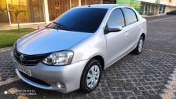 Toyota Etios Sedã XS 1.5 2016 completo