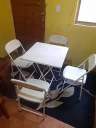 Mesa com 4 cadeiras 100 reais!