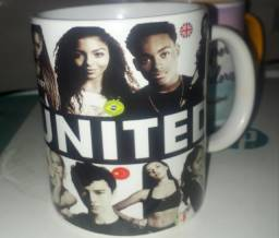 Caneca porcelana Now United a pronta entrega.