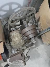 Torno mecânico de bancada