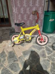 Bicicleta infantil para criança de 2 a 4 anos  R$ 100