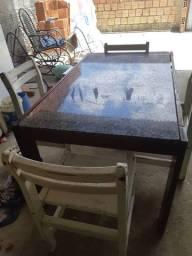 Mesa de 4 cadeiras de Mamoré