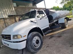 Caminhão Pipa, Ford F12000 - Ano 97 - Ótimo estado