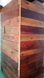 Vendo Bau de madeira