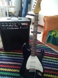 Caixa amplificada JBL e Guitarra Dolphin
