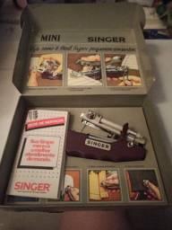 Máquina Mini Singer Antiga