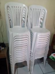 Lote de 30 unidades cadeiras topplast semi novas 700