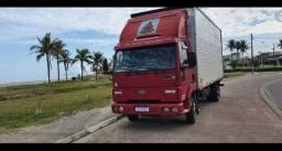 Título do anúncio: Caminhão baú retornando vazio de itapema sc