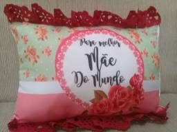 Travesseiro e canecas