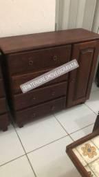 Comodas de madeira maciça de Gravata