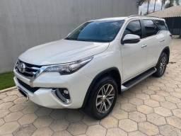 Toyota Hilux SW4 2.8 SRX 4X4