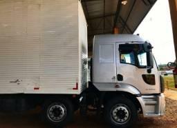 Título do anúncio: Caminhão Ford cargo 2429 Bitruck 2014 Baú.