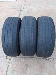 Vendo 3 Pneus 245 60 16 e 2 pneus 195 60 16