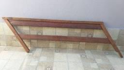 grade e corrimão de madeira maciça