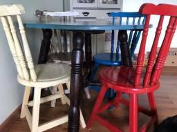 Mesa e cadeiras imbuía