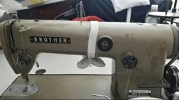 Maquina de costura indústria