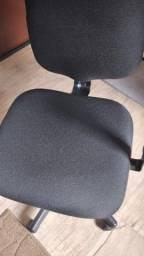 `Cadeira giratória de escritório Presidente