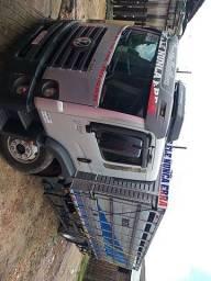 Freta-se caminhão boiadeiro
