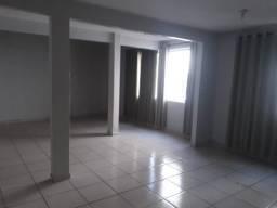 M.E Alugo casa no segundo andar 1quarto com suíte / Residencial laranjeiras