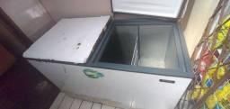 Freezer duas tampas