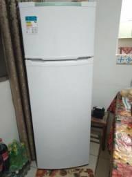 Vendo Refrigerador 220v 258 litros
