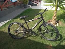 Excelente oportunidade de bicicleta semi nova!