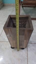 Vaso decorativo cerâmica cônico 23x23x37cm de altura com rodízio