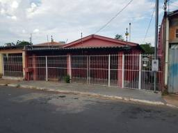 Vendo uma casa no bairro Cristo Rei