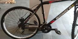 Bicicleta monaco freio a disco nas 2 rodas, amortecedor diant. R$700, buscar em Trindade