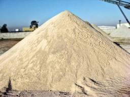 Areia media 7 metros 500,00 reais 9969 -99120