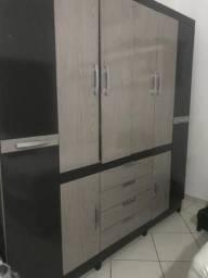 Armário de casal com duas cômodas com 5 gavetas cada