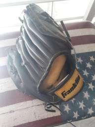 Luva de basebal da marca Franklin