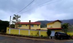 Casa em Araras, próximo a BR-040