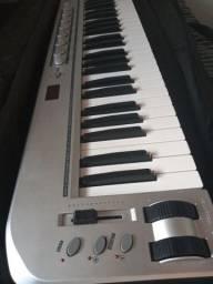 Teclado Controlador MIDI/USB