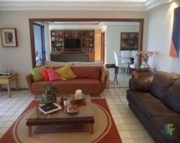 Amplo apartamento 5 quartos (2 suítes) com área de lazer