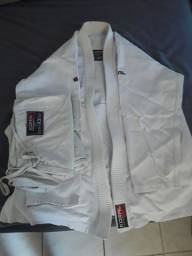 Vendo ou troco kimono KORAL (jiu-jitsu) tam:A3 250$