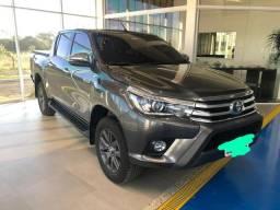 Vendo Hilux SRX diesel 2017 único dono - 2017