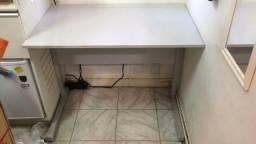 Mesa de escritorio pequena 60 x 95 cm